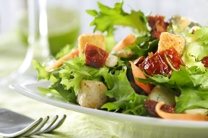 Image: Researchers: Prepackaged salads promote the growth of Salmonella bacteria