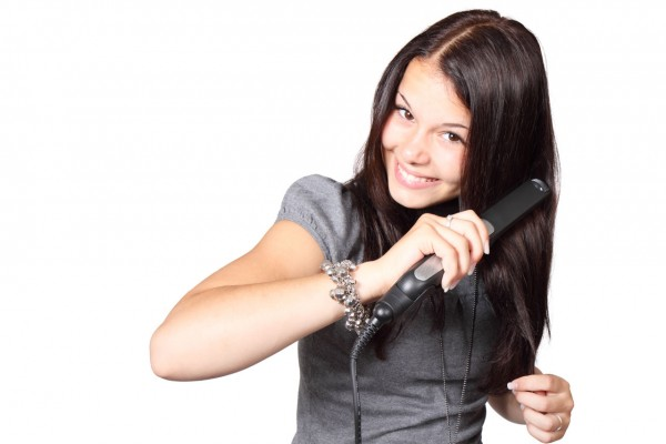 Image: FDA sued for ignoring dangers of formaldehyde in hair-straightening products