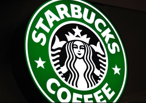Image: Starbucks hates America: CEO pledges to hire 10,000 refugees instead of 10,000 American citizens