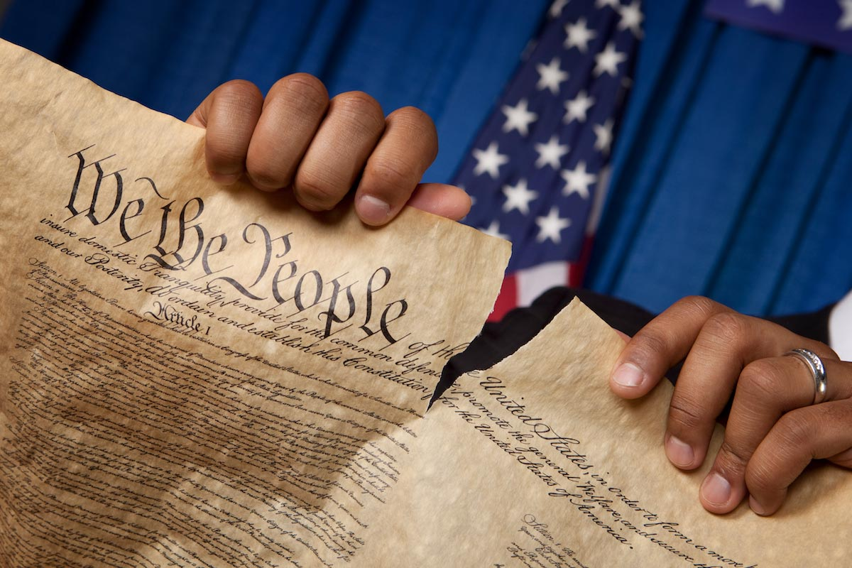 us constitution Download constitution for iphone and ipod touch and enjoy it on your  now  prepare to own any legal debate with a copy of the us constitution on your.