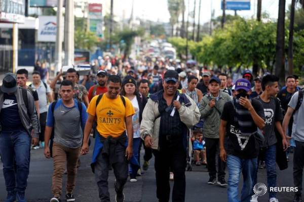 The caravan trying to invade the USA is almost entirely military-aged males… almost no women or children anywhere