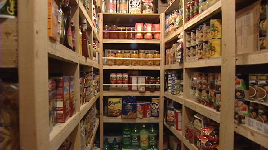 Fill up your emergency storage with these 10 food items