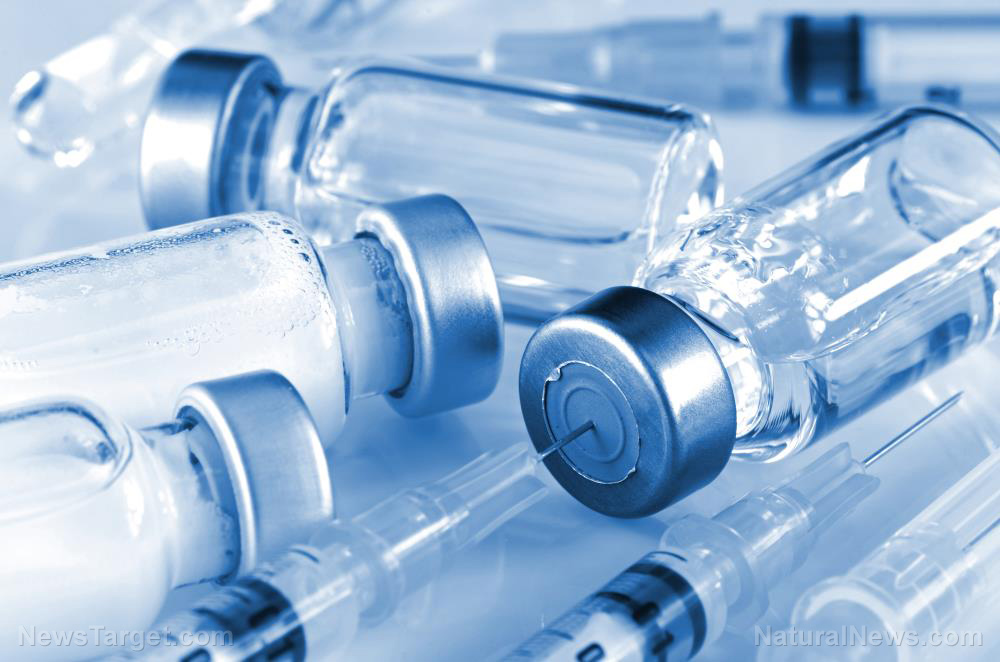 Los ensayos clínicos revelan que más personas podrían tener síntomas y ser hospitalizados por la vacuna mRNA covid-19 de Moderna que por una infección teórica