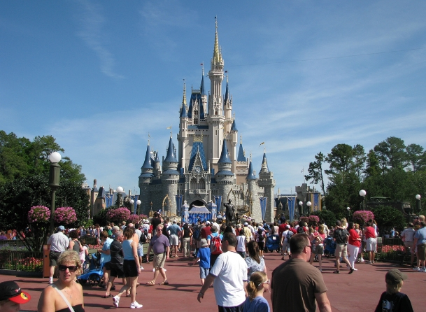 Magic Kingdom of TYRANNY: Disney now ARRESTING its own guests who refuse covid temperature checks